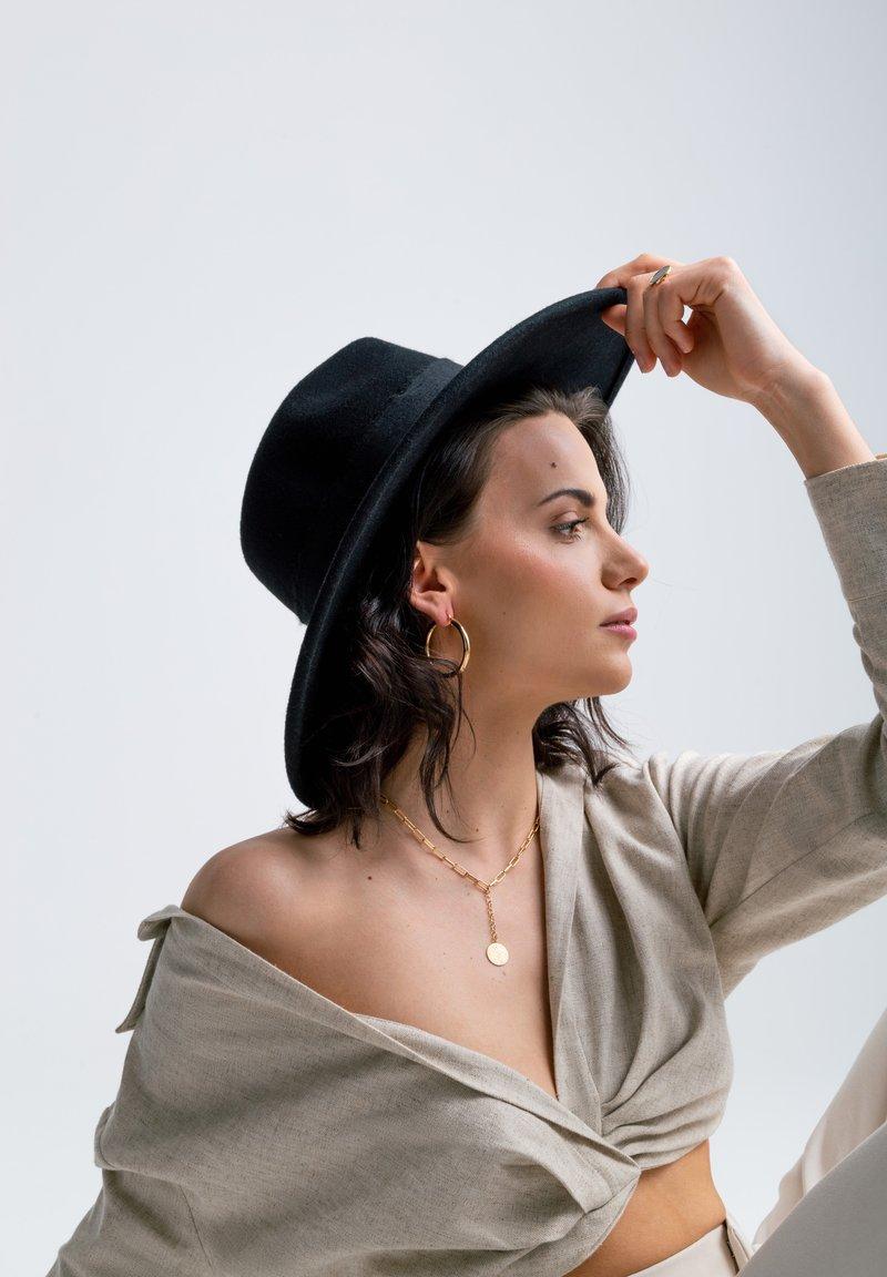 LOLA - SUPER HOOPS  - Earrings - gold