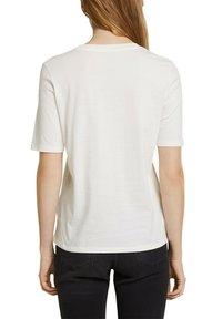 Esprit - Print T-shirt - off white - 6