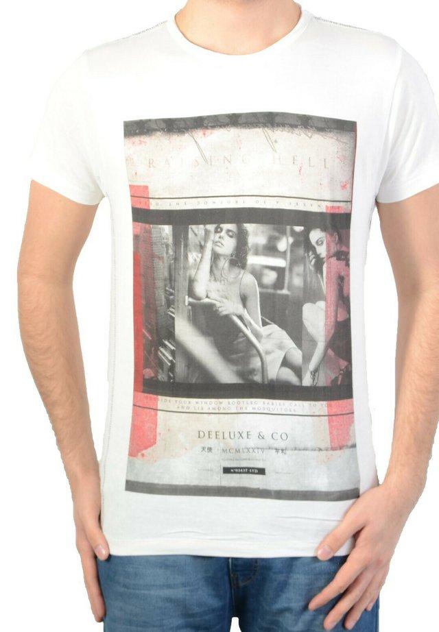 RAISING - T-shirt imprimé - white