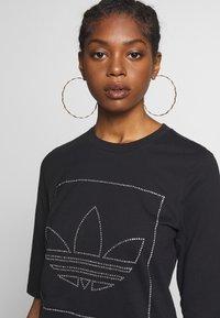 adidas Originals - FAKTEN TREFOIL SHORT SLEEVE TEE - Print T-shirt - black - 4