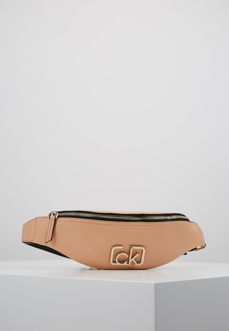 Calvin Klein - SIGNATURE WAISTBAG - Heuptas - brown
