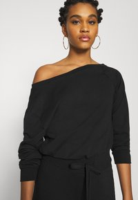 Even&Odd - Sweat off shoulder lounge jumpsuit - Haalari - black - 3