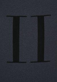 Les Deux - ENCORE  - Print T-shirt - dark navy/black - 5
