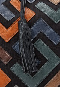 SURI FREY - CILLY - Tote bag - black - 4