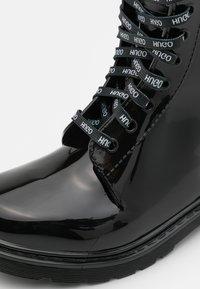 HUGO - LACE UP  - Gummistøvler - black - 4