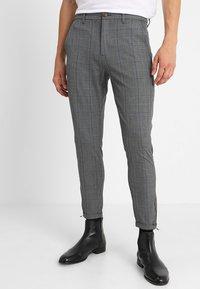 Gabba - PISA ENGLISH - Trousers - grey check - 0