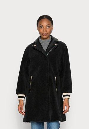 CABAN SHERPA FABRIC - Winter coat - black