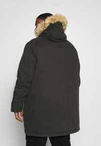 Lyle & Scott - PLUS WINTER WEIGHT LINED - Parka - jet black - 2