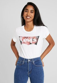 Levi's® - THE PERFECT TEE - Print T-shirt - white - 0