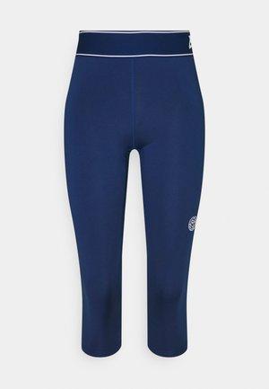 MILA TECH CAPRI - 3/4 sportovní kalhoty - dark blue