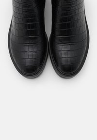 Vero Moda Wide Fit - VMMELBA WIDE FIT - Korte laarzen - black - 5
