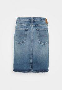 Tommy Jeans - CLASSIC SKIRT - Mini skirt - blue denim - 1
