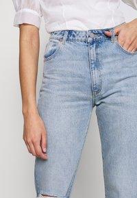Abrand Jeans - VENICE STRAIGHT - Straight leg jeans - destroyed denim - 3
