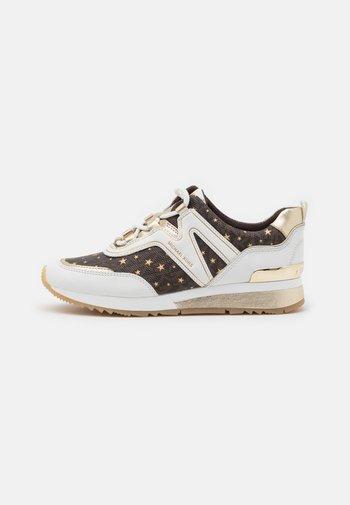 PIPPIN TRAINER - Zapatillas - optic white/brown