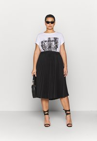 CAPSULE by Simply Be - PLEATED SKIRT - A-line skirt - black - 1