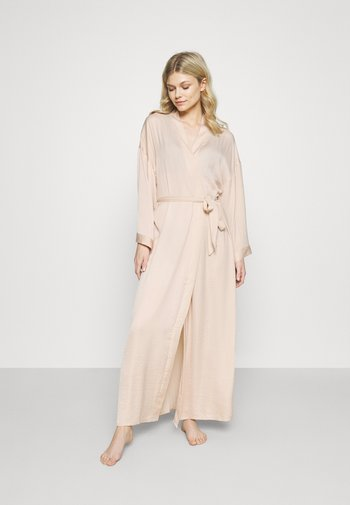 Dressing gown - nude