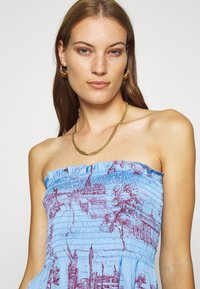 Who What Wear - SMOCKED STRAPLESS - Top - toile blue/burgundy - 4
