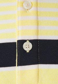 Michael Kors - BIRDSEYE - Polo shirt - meringue - 2
