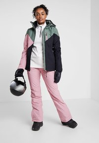 Brunotti - SUNLEAF WOMEN SNOWPANTS - Ski- & snowboardbukser - cadilac - 1