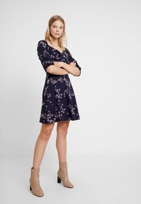 Dorothy Perkins - SLEEVE GYPSY TIE FRONT FIT FLARE - Jerseykjoler - navy - 2