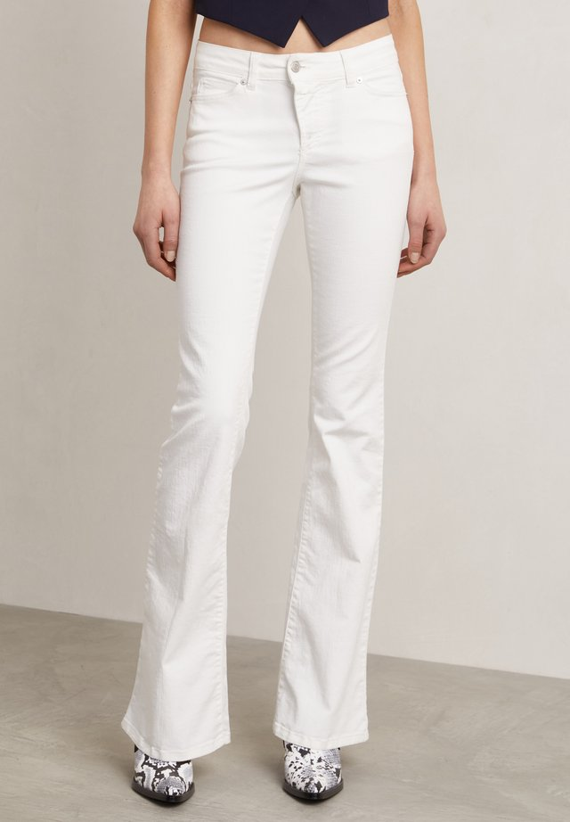 MATT - Jeans a zampa - off-white