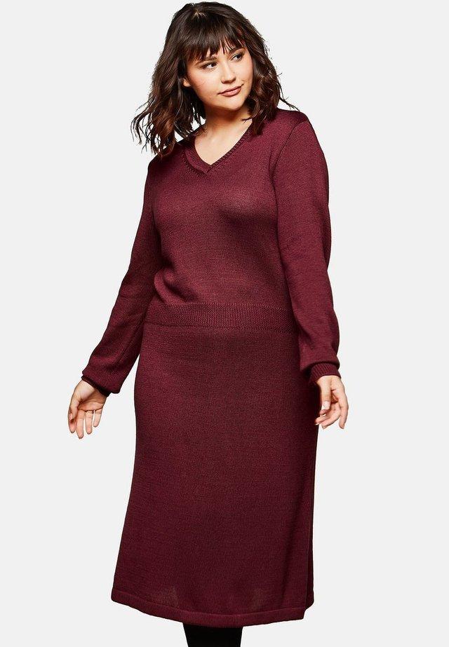 Jumper dress - ruby red