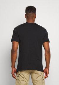 Nike Sportswear - TEE - Print T-shirt - black/white - 2