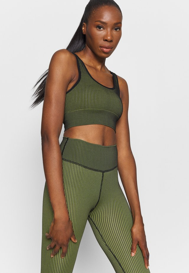 THE SEAMLESS BRA - Sport BH - khaki