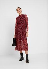 TOM TAILOR DENIM - PRINTED MESH DRESS - Vestido informal - black/red - 2