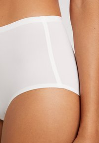Fantasie - SMOOTHEASE INVISIBLE STRETCH FULL BRIEF - Intimo modellante - ivory - 4