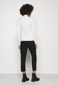 Anna Field - BASIC BUSSINESS PANTS WITH PINTUCKS  - Trousers - black - 2