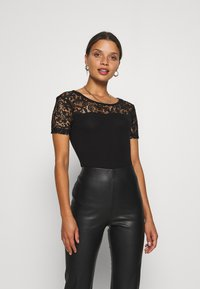 Anna Field Petite - Basic T-shirt - black - 0
