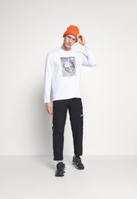 The North Face - MENS GRAPHIC TEE - Langarmshirt - white - 1