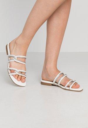 RAYLAN - Pantofle - white