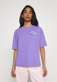 Puma - DOWNTOWN GRAPHIC - Print T-shirt - hazy blue - 0