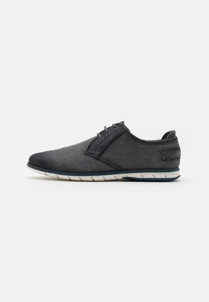 SILVAN - Chaussures à lacets - black
