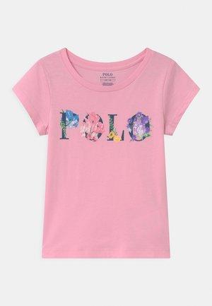 GRAPHIC - Triko spotiskem - carmel pink