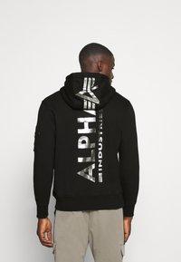 Alpha Industries - BACK HOODY FOIL - Luvtröja - black/chrome - 2