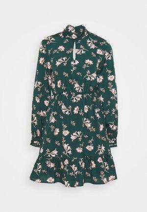 VMROBIN SHORT DRESS - Denní šaty - ponderosa pine/robin flower