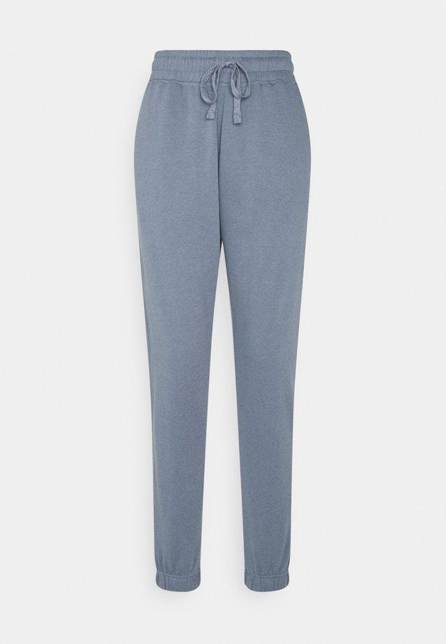LIFESTYLE GYM TRACK PANTS - Pantalon de survêtement - blue jay