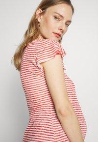 LOVE2WAIT - RUFFLED STRIPED - Print T-shirt - red - 3