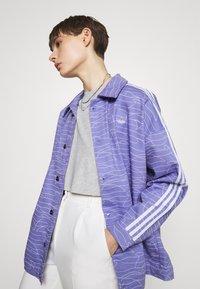 adidas Originals - JACKET - Cowboyjakker - light purple/white/silver met. - 3