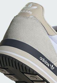 adidas Originals - ZX 500 UNISEX - Sneakers basse - ftwr white legend ink grey one - 7