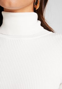 Missguided - ROLL NECK  - Jumper - off white - 4