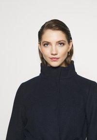 Vila - VICOOLEY NEW COAT - Zimní kabát - navy blazer - 3
