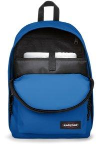 Eastpak - OUT OF OFFICE - Plecak - cobalt blue - 4
