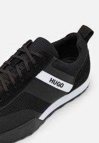 HUGO - MATRIX - Sneakers laag - black - 5