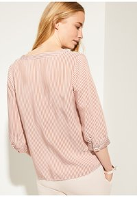 comma - MIT MUSTER - Blouse - cognac pinstripes - 3