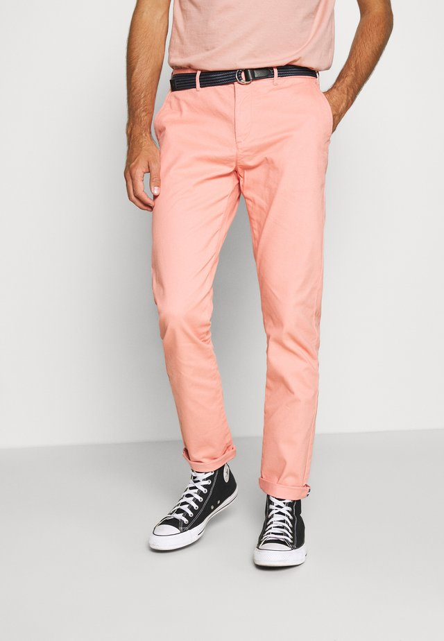 STUART PEACHED WITH GIVE AWAY BELT - Chinos - pink smoke
