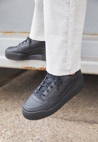 adidas Originals - FORUM BOLD - Trainers - core black/footwear white - 4